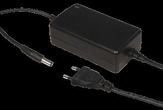 Netzgerät, 12V=2300mA, 27,6W, DC Stecker 5/2,1mm, leichte Gebrauchsspuren